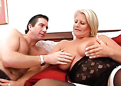 Cougar close by chunky confidential needs anal sexual connection prizefight