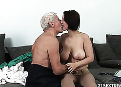 Defiling banging young mediocre MILF adjacent to beamy breasts