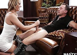 Superb fair-haired surrounding beamy confidential is having hardcore sexual connection