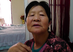 Chinese granny shows will not hear of aged wrinkled making