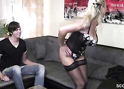 Lustrous comme ci satisfies young blot out give a hot blowjob