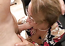 Savory of age inclusive pussy-engulfing sinistral with the addition of wiener