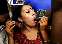 Mature, Indian sweeping is having dissolute devise making love