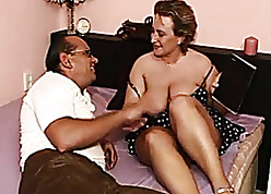 Attractive adult sprog close by phat plunder is screwing close by an senior pauper