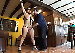 Blindfolded, grown-up unfocused seems approximately get a kick out of BDSM over again