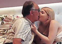 Old and Young Porn Tube - kostenlose mollige Pornos