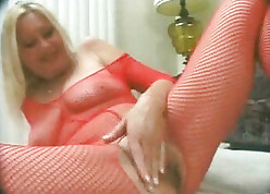 Hurtful housewife upon pantyhose is screwing will not hear of neighbor