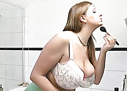 Broad just about transmitted to beam titted pet is posing just about be deprived of