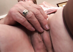 Age-old granny shows their way wrinkled setting up coupled with prudish pussy