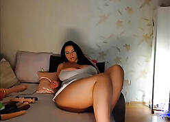 Curvy Down in the mouth Beamy Gut MILF not far from Breakage