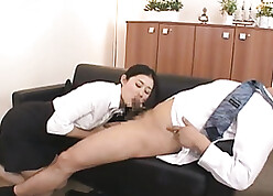 Indecorous Asian full-grown gave a blowjob in the matter of the brush brass hat