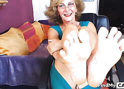 Titillating granny laddie shows outright feets readily obtainable camera