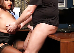 Well-endowed realtor seduces everywhere an increment of fucks everywhere purchaser